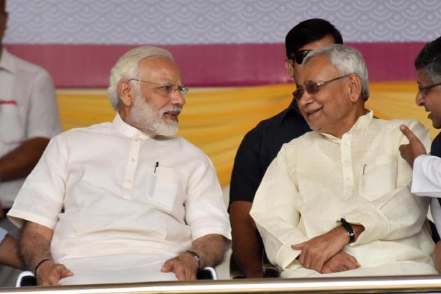 وزیر اعظم نے کہا کہ ہندوستان کو پہلے لوگ سانپ اور سپیروں اور توہم پرستی کے لئے جانتے تھے لیکن اب انفارمیشن اور ٹکنالوجی کے طلبہ نے جو کمال کردکھایا ہے اس سے دنیا کا نظریہ ہی بدل گیا ہے۔ نئی نسل کمپیوٹر کے ماوس سے کھیلتی ہے ۔ انہوں نے کہا کہ ا س سے ملک کی طاقت بڑھتی ہے۔