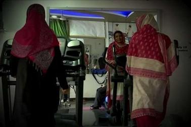 جم میں خواتین کی سہولت کے مدنظر خاتون ٹرینر کو رکھا گیا ہے۔