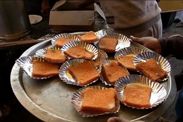 بھوپال کا سہ روزہ عالمی تبلیغی اجتماع اینٹ کھیڑی میں ہورہا  ہے۔ 70 ویںسہ روزہ عالمی تبلیغی اجتماع کا آغازبعد نماز فجردرس قران کےساتھ شروع کیا گیا۔