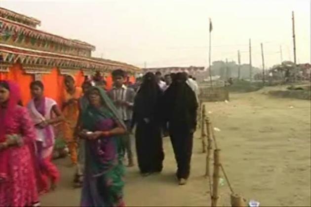 کانپور کے سچینڈی تھانہ کے پلرا گاؤں میں 25 اکتوبر سے 4 نومبر تک سیتا رام مہا یگیہ کیا گیا ، لیکن یہاں کے پروگرام کی خاص بات یہ رہی کہ یہاں مسلم خواتین یگیہ میں شریک ہو یگیہ ستھل کی پریکرما کرتی نظر آئیں ۔