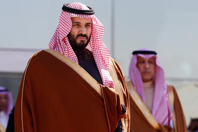 سعودی عرب کے ولی عہد محمد بن سلمان کے ذریعہ چھیڑی گئی بدعنوانی مہم میں ملک کے متعدد شہزادوں سمیت اعلی افسران پر شکنجہ کستا جارہا ہے ۔ بدعنوانی کے الزامات میں سعودی کے امیر ترین شخص الولید بن طلال بھی شامل ہیں ۔ علاوہ ازیں شہزادہ مطب بھی زد میں ہیں، جنہیں پچھلے ہفتہ ہی نیشنل گارڈ چیف کے عہدہ سے ہٹادیا گیا تھا ۔