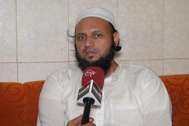 گجرات انتخابات :مسلمانوں کو ایک بھی ٹکٹ نہیں ، پھر کیسے ہوگا سب کا ساتھ سب کا وکاس : مفتی رضوان تاراپوری