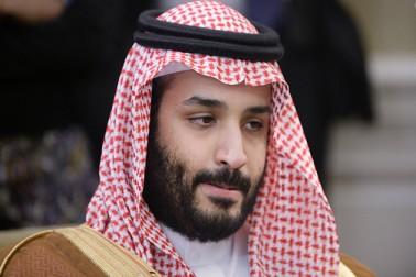 شہزادہ محمد بن سلمان کی پیدائش 31 اگست 1985 کو ہوئی تھی اور وہ شاہ سلمان کی تیسری اہلیہ فہدہ بن فلاح کے سب سے بڑے بیٹے ہیں ۔ ریاض میں واقع کنگ سعود یونیورسٹی سے گریجویٹ کی ڈگری حاصل کرنے کے بعد محمد بن سلمان نے متعدد سرکاری محکموں میں کام کیا ۔