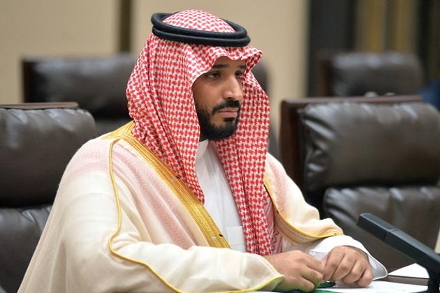 وزارت دفاع کا عہدہ سنبھالتے ہی انہوں نے مارچ 2015 میں یمن میں جنگ کا اعلان کردیا ۔ حوثی باغیوں نے راجدھانی صنعا سمیت یمن کے کئی علاقوں پر قبضہ لرکیا اور یمن کے صدر عبد الرحمان منصور کو ملک سے بھاگنے پر مجبور کردیا تھا اور سعودی عرب میں انہوں نے پناہ لی تھی ۔