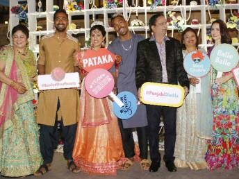 ممبئی انڈینس کے آل راونڈر کنال پانڈی کی شادی کیلئے بطور وینو ممبئی کے جوہو میں واقع جے ڈبلیو میریٹ ہوٹل کا انتخابات کیا گیاتھا۔