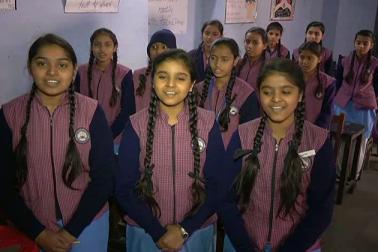 میرٹھ اور سہارنپور زون کے مختلف اسکولوں کی طالبات میں اکیلی عالیہ کا انتخاب کیا گیا ہے۔