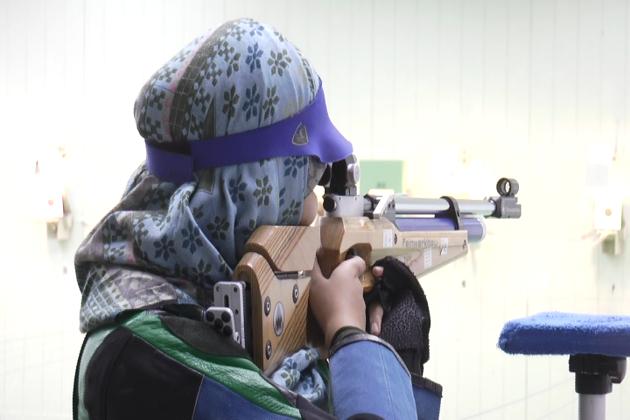 پروفیشنل ٹریننگ کے دوران کچھ دشواریاں بھی آئیں ، لیکن علیمہ کےعزم نے ان دشواریوں کو مات دی اور اسکولی مقابلوں سے لے کر قومی سطح کے مقابلوں کا سفر طے کیا ۔