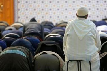 فرانس : انتہا پسندی کو ہوا دینے کا الزام لگاکرمارسیلیا کی السنہ مسجد کو بند کردیا گیا ، امام پر بھی سنگین الزامات