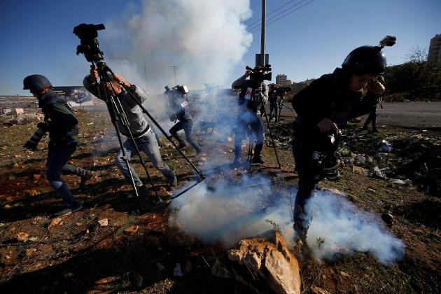 اردن، پاکستان، بنگلہ دیش، مصر، لبنان، ایران اور دوسرے مسلمان ممالک میں ہونے والے مظاہروں میں شرکاء نے امریکی صدر کے القدس کے بارے میں اقدام کو مسترد کردیا۔