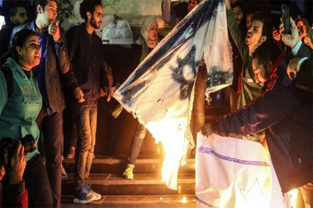 اس کے علاوہ امریکی ریاستوں میں 91 مقامات پر احتجاج کیاگیا۔ یورپی ملکوں میں جرمنی، فرانس اور دیگر ممالک میں فلسطینیوں اور القدس کی نصرت کے لیے جلوس نکالے گئے۔