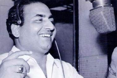 سال 1949 میں نوشاد کی موسیقی میں فلم دلاری کے گیت سهاني رات ڈھل چکی .. کے ذریعے ان کے لئے کامیابی کے دروازے کھل گئے۔ دلیپ کمار، دیو آنند، شمي کپور، راجندر کمار، ششی کپور، راجکمارجیسے نامور ہیرو کی آواز کہے جانے والے رفیع نے اپنے طویل کریئر میں تقریباً 700 فلموں کے لیے 26000 سے بھی زیادہ گانے گائے۔