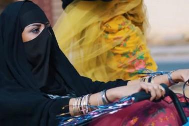 اب سعودی خواتین ٹرک اور موٹر سائیکل بھی چلا سکیں گی