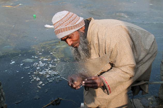 تاہم پورے جموں وکشمیر میں سب سے زیادہ سرد ترین مقام خطہ لداخ کا سرحدی قصبہ کرگل ثابت ہوا جہاں کم سے کم درجہ حرارت منفی 20 اعشاریہ 6 ڈگری ریکارڈ کیا گیا ہے۔