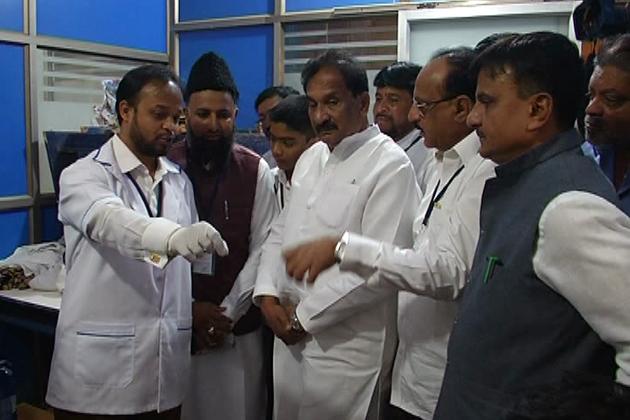 بنگلورو کے ایچ بی آر لےآوٹ میں مفت طبی کیمپ کا انعقاد عمل میں آیا۔ پردیش کانگریس کمیٹی کےاقلیتی شعبہ کے تحت رائل پبلک اسکول میں یہ میڈیکل کیمپ منعقد ہوا۔ اس موقع پرعلما کرام نے صحت اور صفائی کی اہمیت پر روشنی ڈالی۔ اس کیمپ کا افتتاح ریاستی وزیر کے جے جارج نے کیا۔