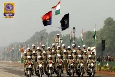 نئی دہلی کے راج پتھ پر یوم جمہوریہ کی پریڈ میں دنیا نے دنیا نے ہندوستان کی فوجی طاقت اور ثقافت کی شاندار جھلک دیکھی ۔