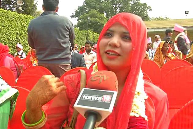 مگر نکاح سے قبل جے مالا کی رسم میں مسلم جوڑوں کو بھی شامل کرا ئےجانے پر دولہا دلہن نے اعتراض کیا  ۔