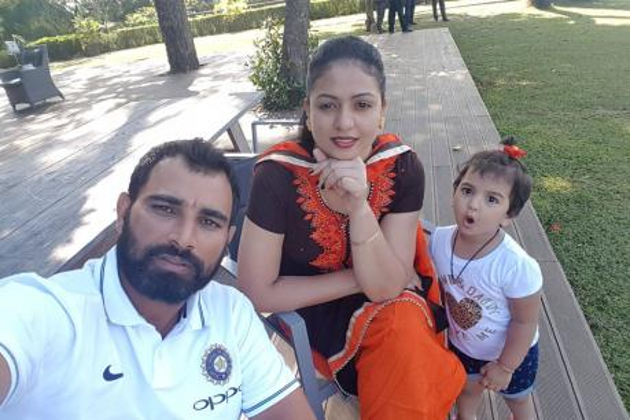محمد سمیع کی اہلیہ نے کہا کہ میں اپنا گھر بچانے کی کوشش کررہی ہوں ، اگر سمیع سچ میں گھر بچانا چاہتے ہیں اور میری بیٹی کی فکر ہے تو میں ضرور سوچوں گی۔