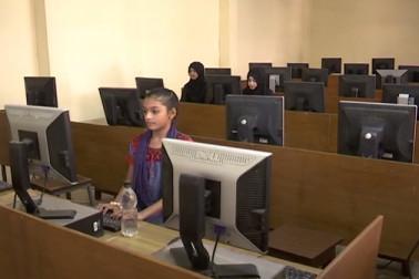 مدھیہ پردیش :منشی حسین خان ٹیکنکل انسٹی ٹیوٹ اقلیتی طلبہ دے رہا ہے مفت میں کمپیوٹر کی تعلیم
