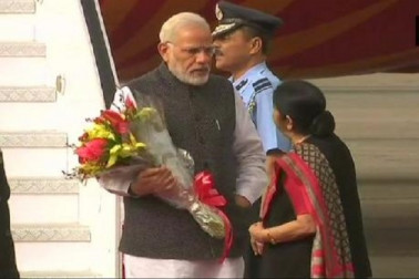 تین ممالک کے کامیاب دورہ کے بعد وزیر اعظم نریندر مودی کی وطن واپسی