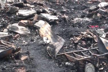 کنچن کنج میں رہ رہے رہنگیاں مسلمان کی جھگیوں میں آگ لگنے کے بعد جب تک آس پڑوس کے لوگ وہاں پہنچے ، تب تک آگ بری طرح پھیل چکی تھی، اس لئے وہ کچھ زیادہ مدد نہیں کر سکے ۔