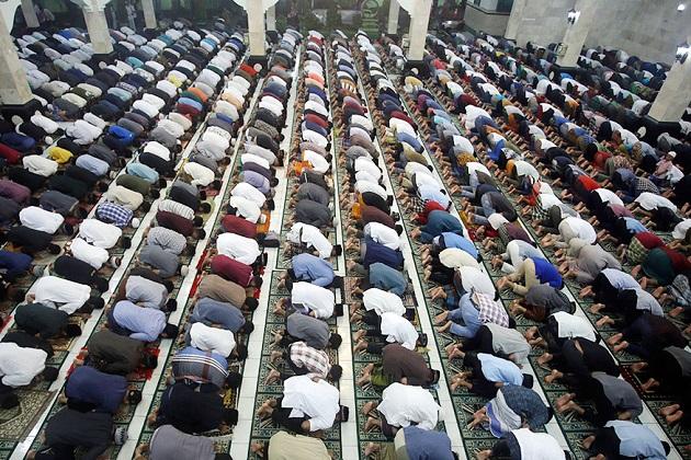 ممبئی میں ماہ رمضان کی رونقیں دوبالا، مساجد میں نمازیوں کی تعداد میں زبردست اضافہ