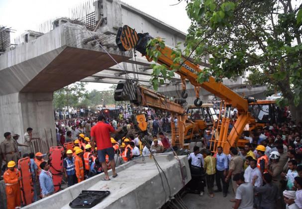 مذکورہ پل پروجکٹ 77.41 کروڑ روپئے کا ہے ، جس کے اندر 63 کھمبے بنانے ہیں لیکن قریب 3 ماہ کے بعد بھی پل کی زیر تعمیر کے تحت محض 45 کھمبے ہی تیا ر ہو سکےہیں۔