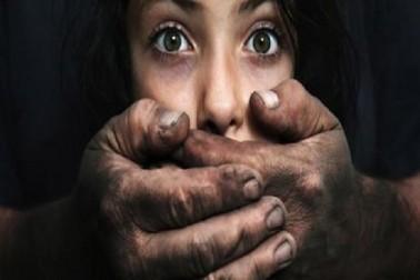 نا بالغ لڑکی کی اجتماعی عصمت دری : پہلے اغوا کیا پھربعد میں یرغمال بناکر 8 دنوں تک کیا ریپ