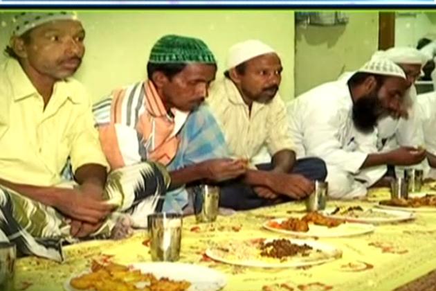 پٹنہ : مسافر روزہ داروںکیلئے سحرو افطار کا خاص اہتمام ، نیلو چودھری کنبہ کو خدمت سے ملتا ہے روحانی سکون