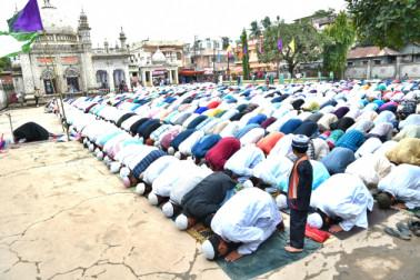 اگرتلہ میں عید کی نماز کا ایک منظر ۔