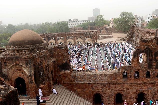 دہلی کی فیروز شاہ میں بھی نماز ادا کی گئی۔