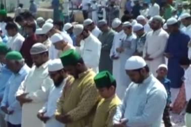 حیدرآباد میں نماز عید کے روح پرور اجتماعات ، عیدگاہ میرعالم میں تین لاکھ سے زائد مسلمانوں نے ادا کی نماز