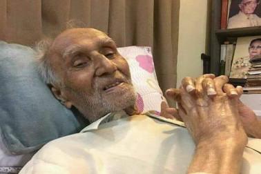 اردو کے ممتاز مزاح نگارمشتاق احمد یوسفی کا 94 سال کی عمرمیں کراچی میں انتقال