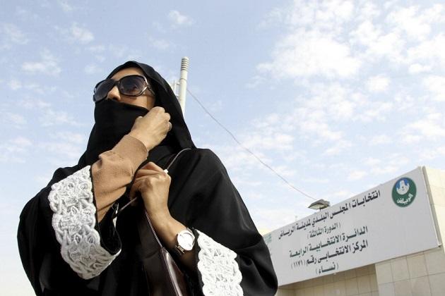 ابھی بھی سعودی عرب کی خواتین کو کافی لمبا راستہ طے کرنا ہے۔ ایسے میں بہت سے عام زندگی کے کام اور فیصلے ہیں جو وہاں کی خواتین مرد کی اجازت کے بغیر نہیںکر سکتیں۔