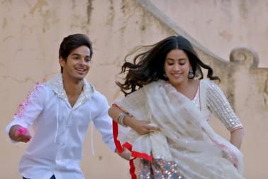 دھڑک فلم ریویو 5/2 اسٹار : سچے اداکار اشان، جانہوی کی خوبصوری دل کو چھوئےگی