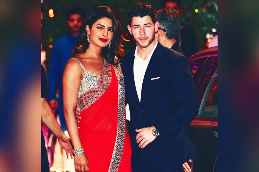 اب شادی کی لوکیشن تو سامنے آ چکی ہے لیکن یہ پتہ نہیں لگ پایا ہے کہ شادی ہندو رسم و روایتوں سے ہوگی یا کرشچن طریقے سے۔ خیر جیسے بھی ہو شادی کی خبر سے دونوں ہی کنبے کافی ایکسائٹڈ اور خوش ہیں۔
