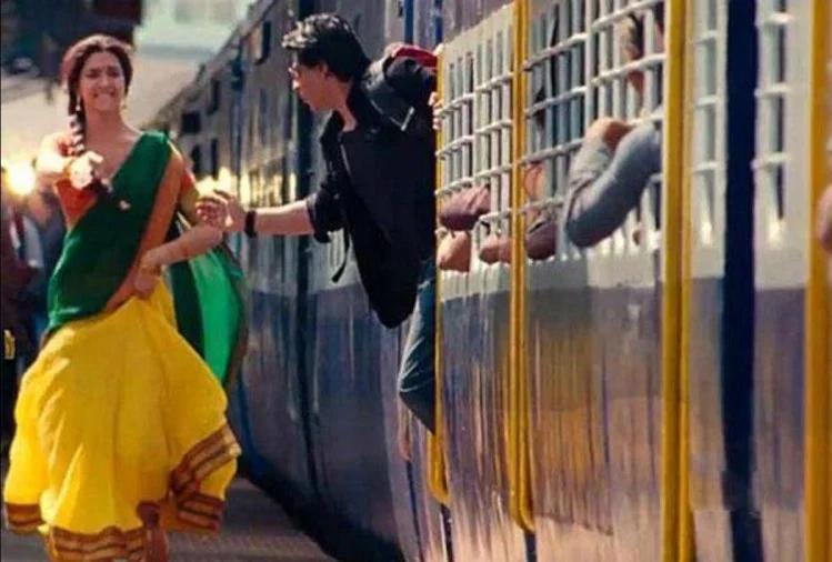 ایک بارپھر شاہ رخ خان کی فلم 'چینئی ایکسپریس' میں غلطی دیکھنے کو ملی۔ دراصل فلم کے ایک سین میں دیپیکا اور شاہ رخ ملتے تو سلیپر کلاس ٹرین میں ہیں لیکن اترتے ہیں جنبر کوچ سے۔ سوچنے والی بات ہے۔