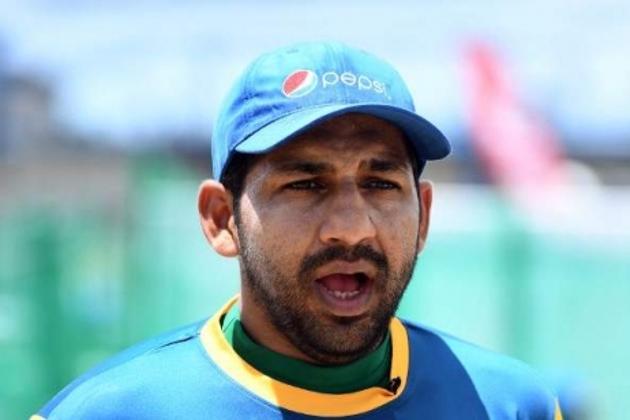اس موقع پر سرفراز احمد نے پاکستانی عوام سے بھی کرکٹ ٹیم کیلئے دعا کرنے کی اپیل کی تاکہ ٹیم ورلڈ کپ جیت کر پاکستان لاسکے۔ ( فائل فوٹو : اے ایف پی) ۔