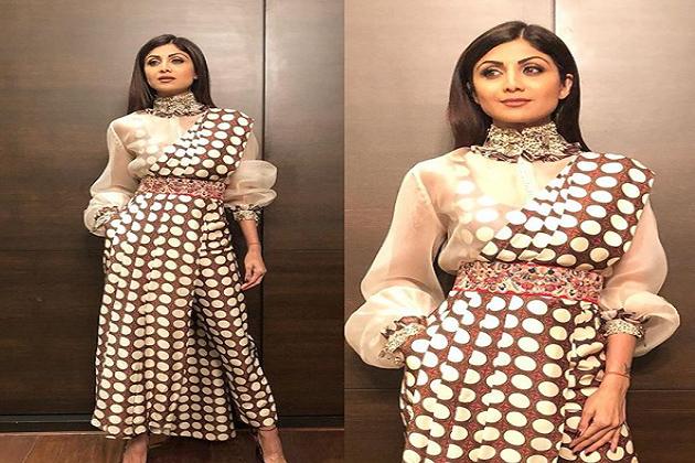 بالی ووڈ اداکارہ شلپا شیٹی اپنے اسٹائلش لباس اور یوگا کو لے کر اکثر خبروں میں رہتی ہیں۔ آپ کو بتا دیں کہ شلپا اپنے انسٹاگرام اکاونٹ پر اپنی تصاویر شیئر کرتی رہتی ہیں۔
