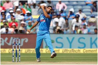 ہندوستان بمقابلہ پاکستان :بھونیشور کمار کی گیند بازی سے پاکستان میں
