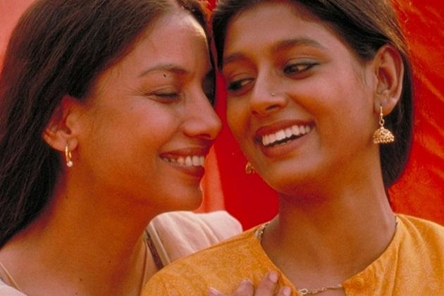 سال 1996 میں آئی دیپا مہتا کی فلم 'فائر' ہم جنس پریستی اور بولنے کی آزادی جیسے ایشو پر تھی۔ فلم میں شبانہ اعظمی اور نندیتا داس ہم جنس کردار میں نظر آئیں تھی۔
