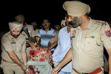 امرتسر ٹرین حادثہ: پنجاب میں 60 لوگوں کی موت، بورڈ چیئرمین بولے ۔ ریلوے نہیں کرے گا حادثے کی جانچ