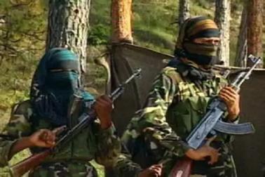 حزب المجاہدین نے 17 سالہ مخبر ندیم منظورکوگولیاں سے بھونتے ہوئے سفاکانہ ویڈیوجاری کردیا