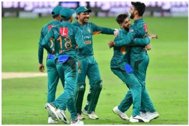 فٹ نہیں ہونے کی وجہ سے ٹیم سے کیا گیا تھا باہر ، اب بنگلہ دیش میں دھمال مچارہا ہے یہ پاکستانی کھلاڑی