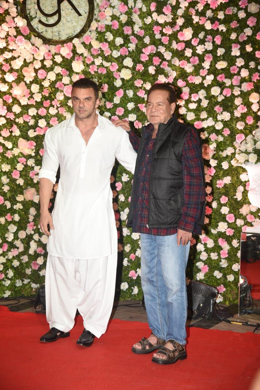 والد سلیم خان کے ساتھ پہنچے سہیل خان