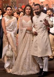 کرینہ کپور خان اپنے شوہر سیف علی خان کے ساتھ شامل ہوئیں ۔ ( فوٹو : پی ٹی آئی ) ۔