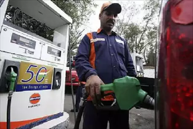 بڑی خبر: 21 دن بعد پٹرول۔ ڈیزل کی قیمت میں ہوا اضافہ، جانیں آج کیا ہے قیمت