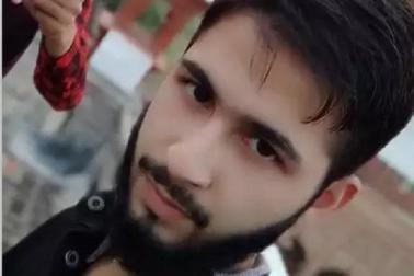 اے ایم یو نے نکالا ،'How's the Jaish' پلوامہ دہشت گردانہ حملے کے بعد کشمیری طالب علم نے لکھا
