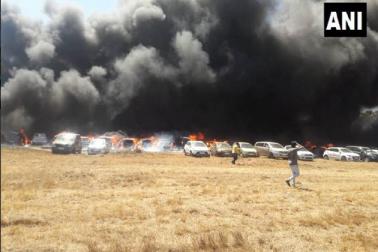 ایرو انڈیا شو 2019 کی پارکنگ میں بھیانک آتش زدگی، 100 گاڑیاں ہوئیں خاک