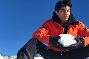 'شاہ رخ خان کے بیٹے آرین خان کی تصویر وائرل، مداح بولے- سب کی چھٹی کر دے گا یہ 'ہیرو