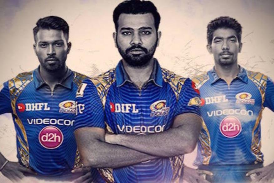 روہت شرما کی ممبئی انڈینس سے بھی تین کھلاڑیوں کو موقع دیا گیا ہے ۔ سلامی بلے باز روہت شرما کے علاوہ ہاردک پانڈیا اور جسپریت بمراہ ٹیم میں شامل ہیں ۔  ( فوٹو : ٹویٹر ) ۔
